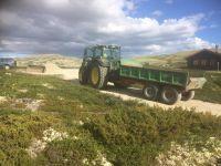 toppen_av_bakken_traktor